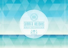 Free vector Summer holidays badge on polygonal background #3722