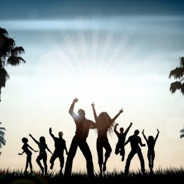 Free vector Silhouettes of people dancing on a summer background #2897