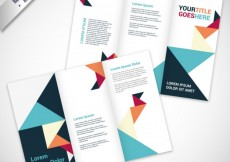 Free vector Brochure in origami style #18205