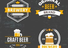 Free vector Decorative beer stickers in retro style #5099